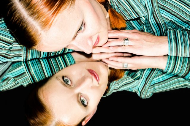 Riddle: Tidur di Depan Cermin Berbahaya?